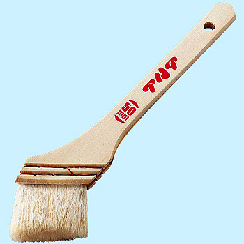 New Type Brush for Varnish