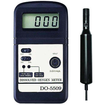 Digital dissolved oxygen analyzer