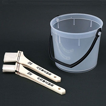 Polyethylene Pail with Brush