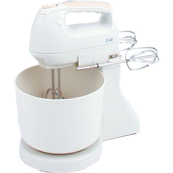 Hand mixer with turbo ball
